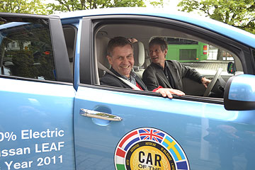 Erik Solheim i Nissan LEAF