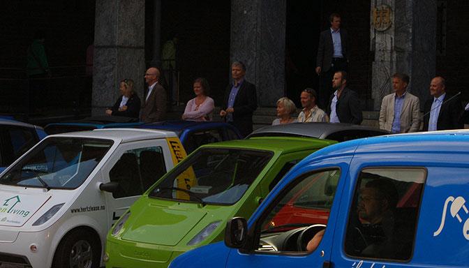 Elbilparade og Elvestuen
