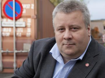 Hoksrud vil at kjøpsincentivene for elbil skal fortsette etter 2017