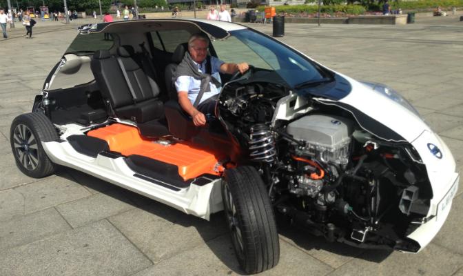 Oslo-ordfører Fabian Stang har stiftet bekjentskap med elbil