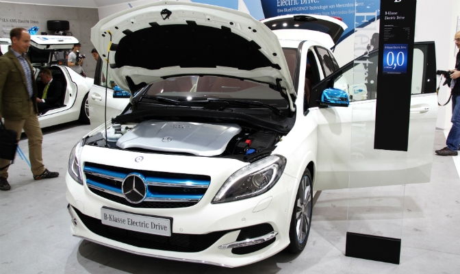 Ytre sett er elbilen lik den vanlige B-Klasse-modellen