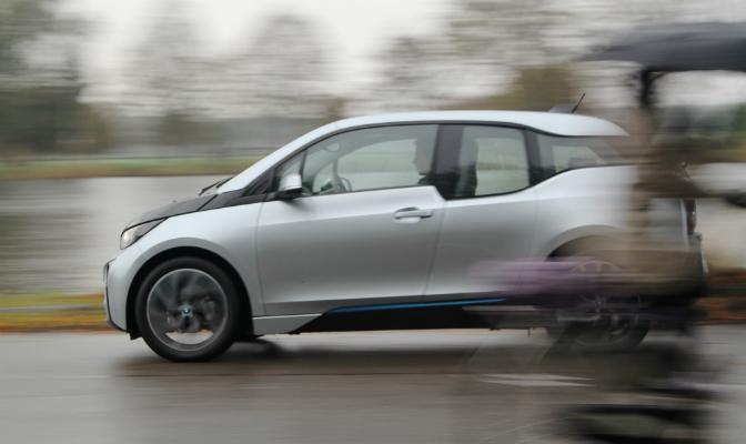 BMW i3 er både kvikk og lettkjørt.