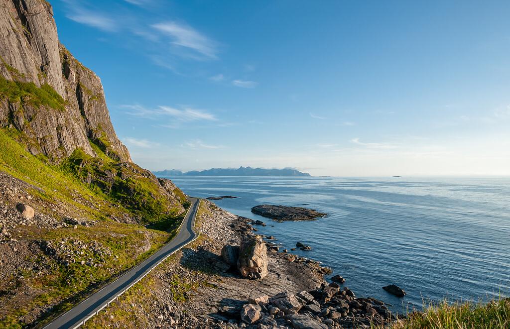 Fylkesveg 7698, Nasjonal turistveg Andøya, ved Børa med utsyn mot tindene i Vesterålen