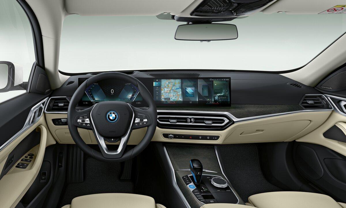 BMW i4 Gran Coupé interiør