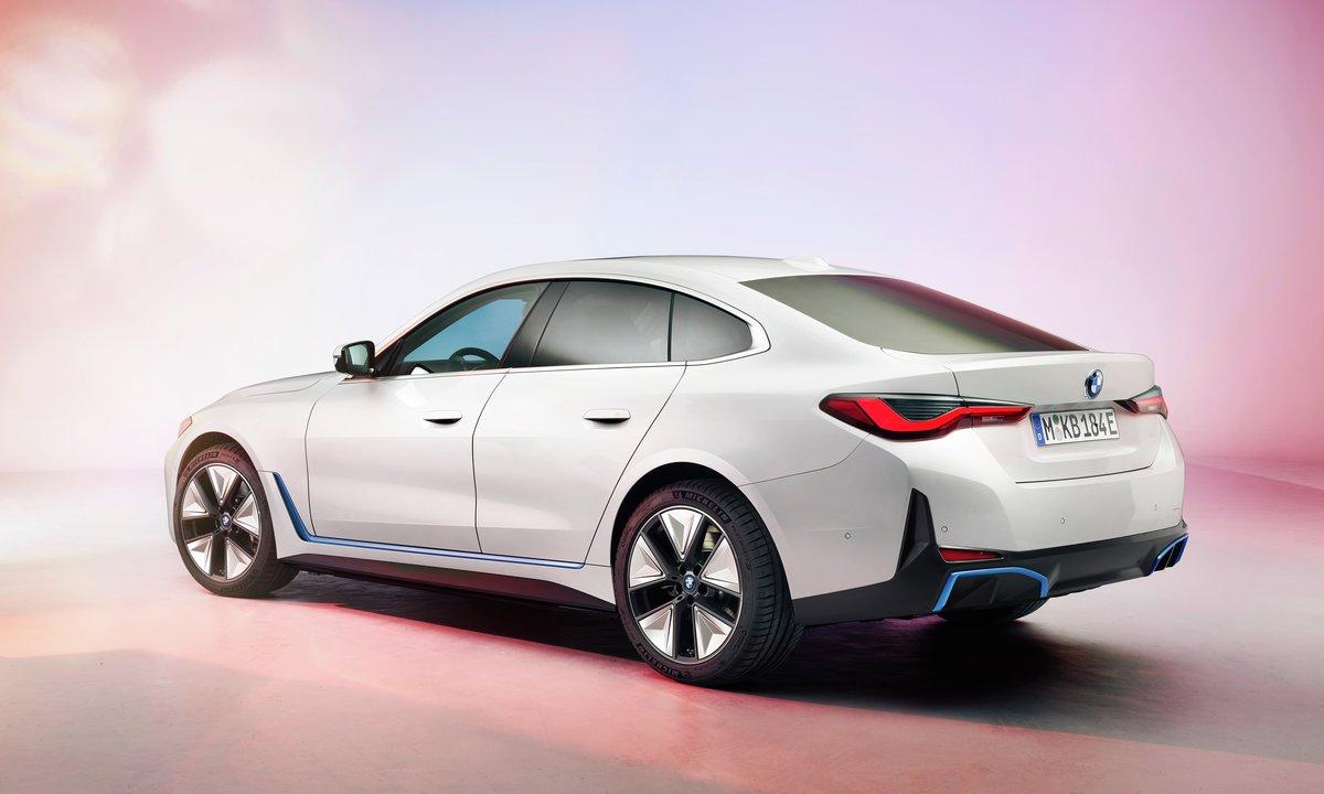 BMW i4 Gran Coupé side bak