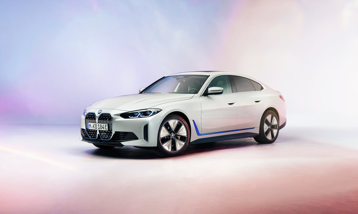 BMW i4 Gran Coupé side front