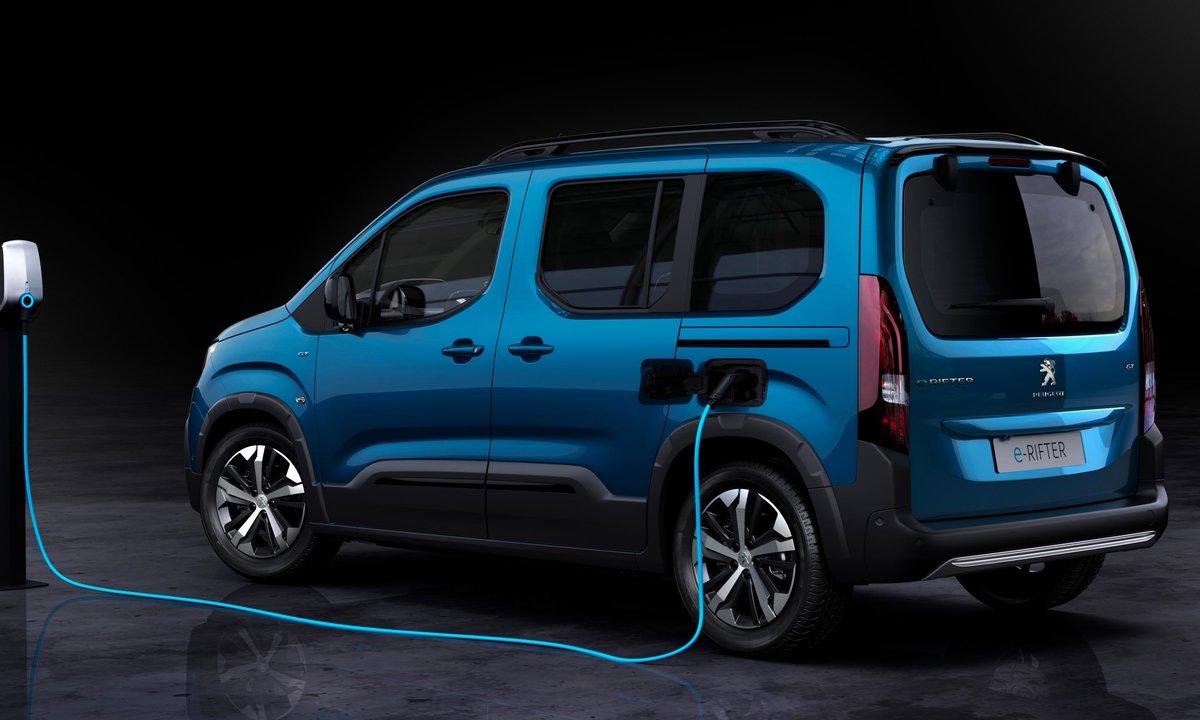 Peugeot e-Rifter side