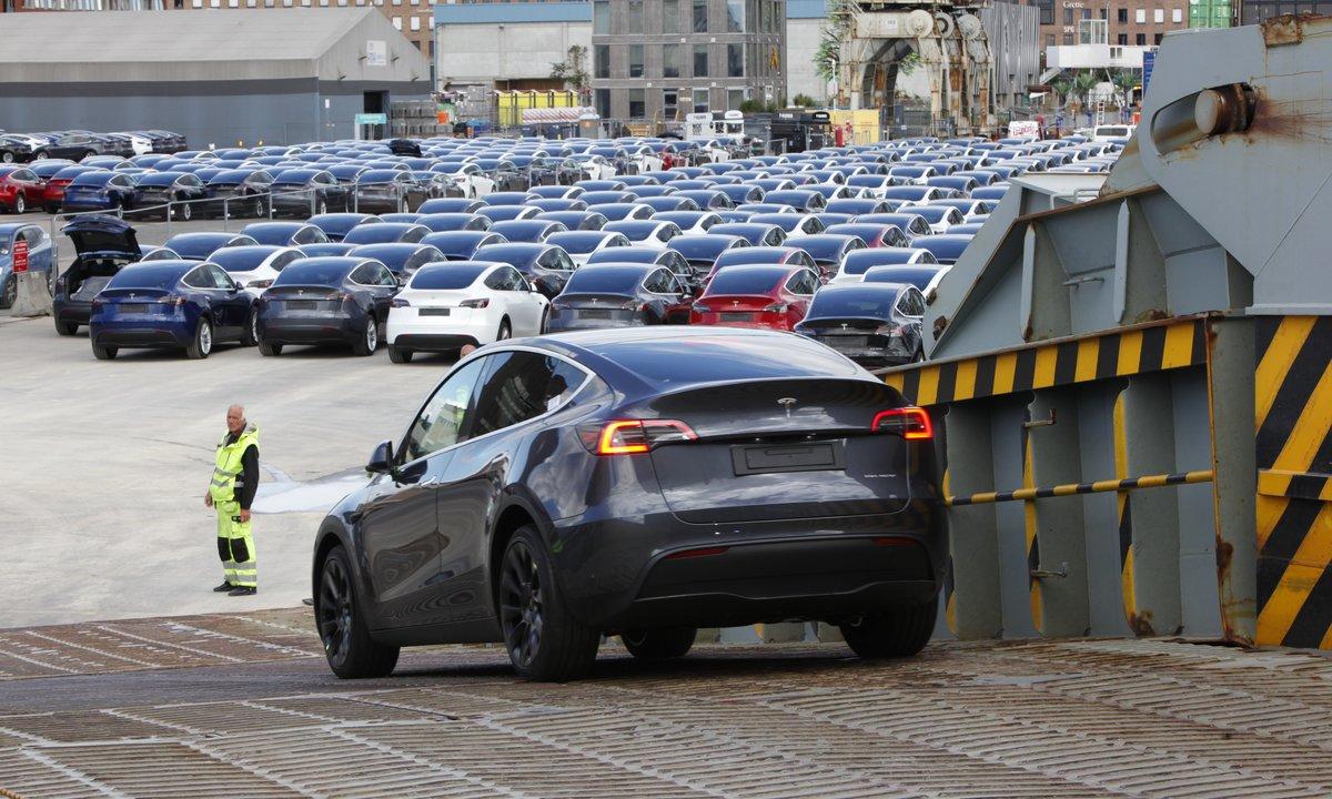 Se video: Her kommer de første Tesla Model Y til Norge