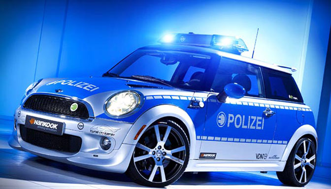 Mini politibil