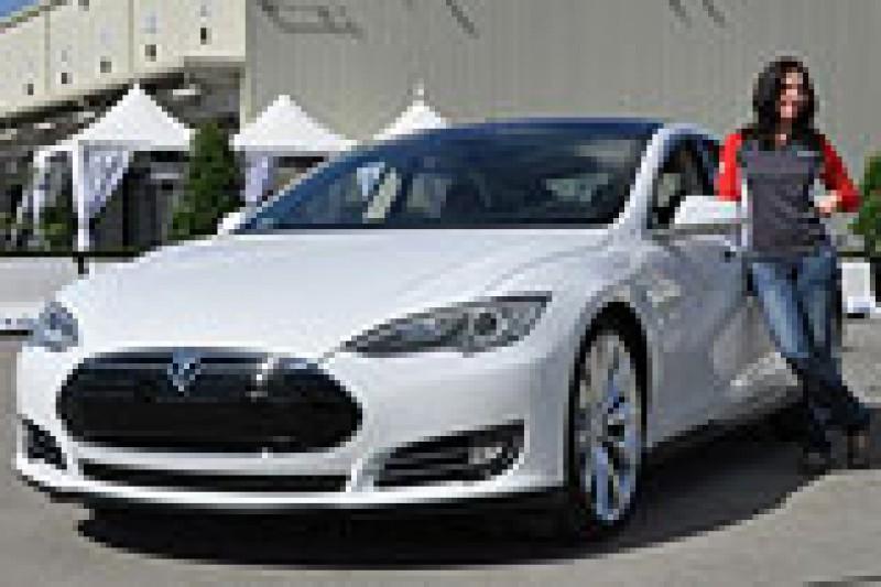Model S prøvekjørt