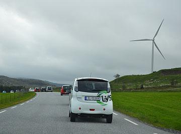 Elbil og vindmølle