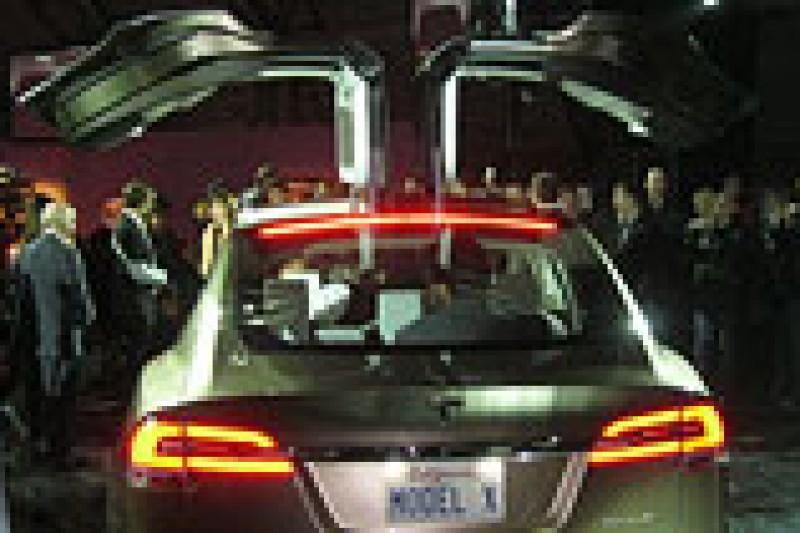 Tesla avslørte elbilen Model X