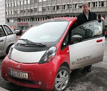 Mitsubishi i-MiEV og Elvestuen