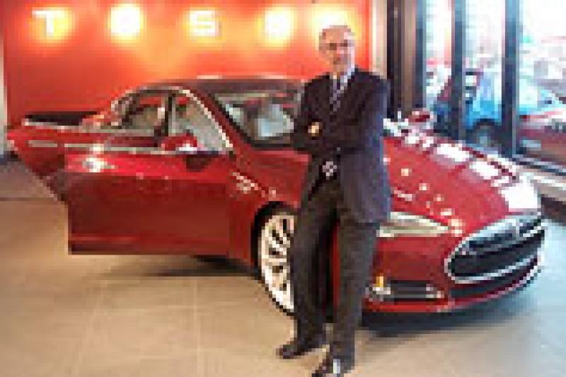 Tesla viser elbilen Model S i Oslo
