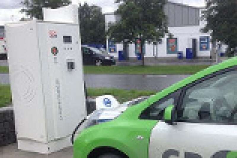 Flere hurtigladere for elbil på gang