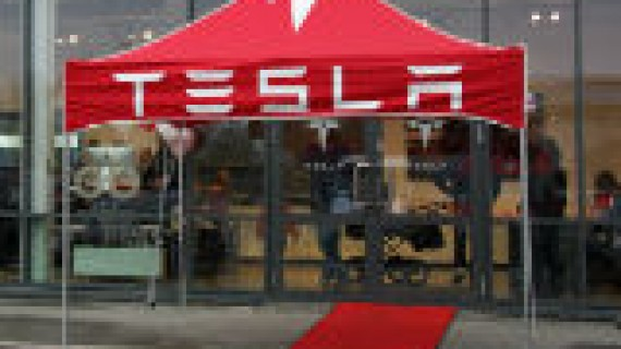 Tesla Trondheim open for business