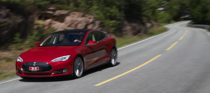 Model S trives utmerket på svingete landevei