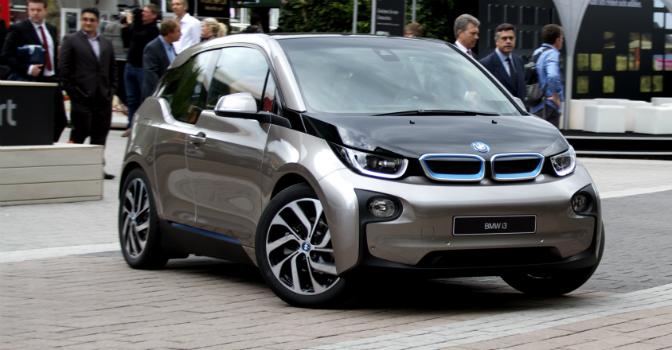 BMW i3 nyter stor popularitet i markedet. De norske bestillingene utgjør 1/8.