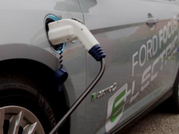 Focus Electric kan lade på maksimalt 32 A. Her 16 A normallading.