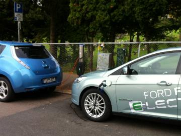 LEAF og Focus Electric