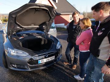 Model S har selvsagt bagasjerom foran