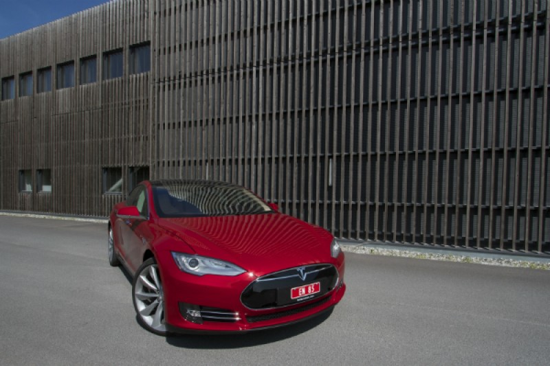 Tips for Tesla Model S i felles ladeanlegg