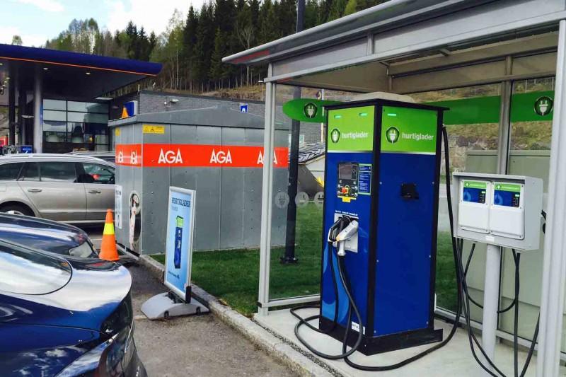 Enklere å dra på elbilferie i Sverige