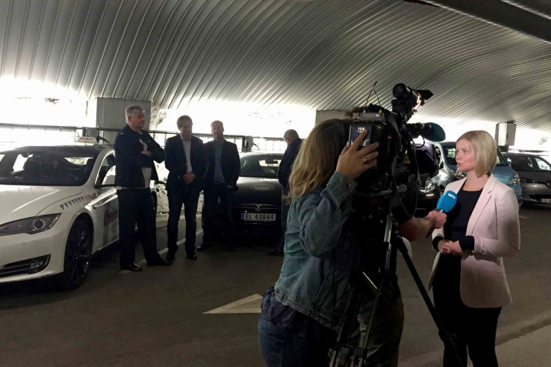 This is the world´s biggest charging garage