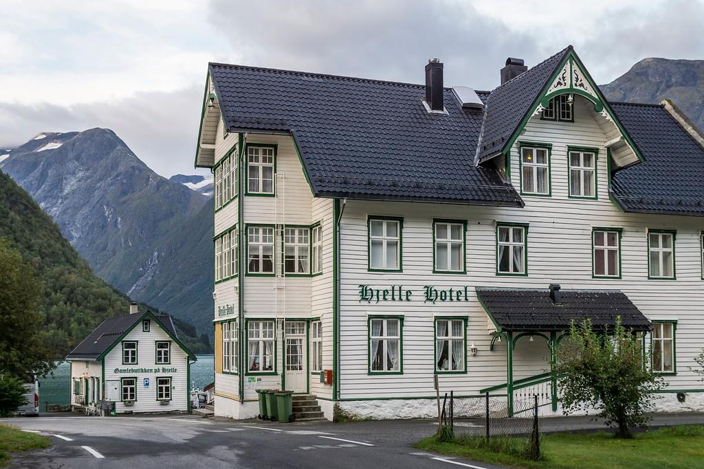 Hjell Hotell