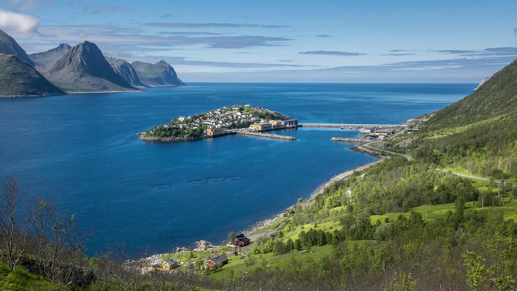 Husøy på Senja, anbefalt avstikker på sidevei fra Nasjonal turistveg Senja