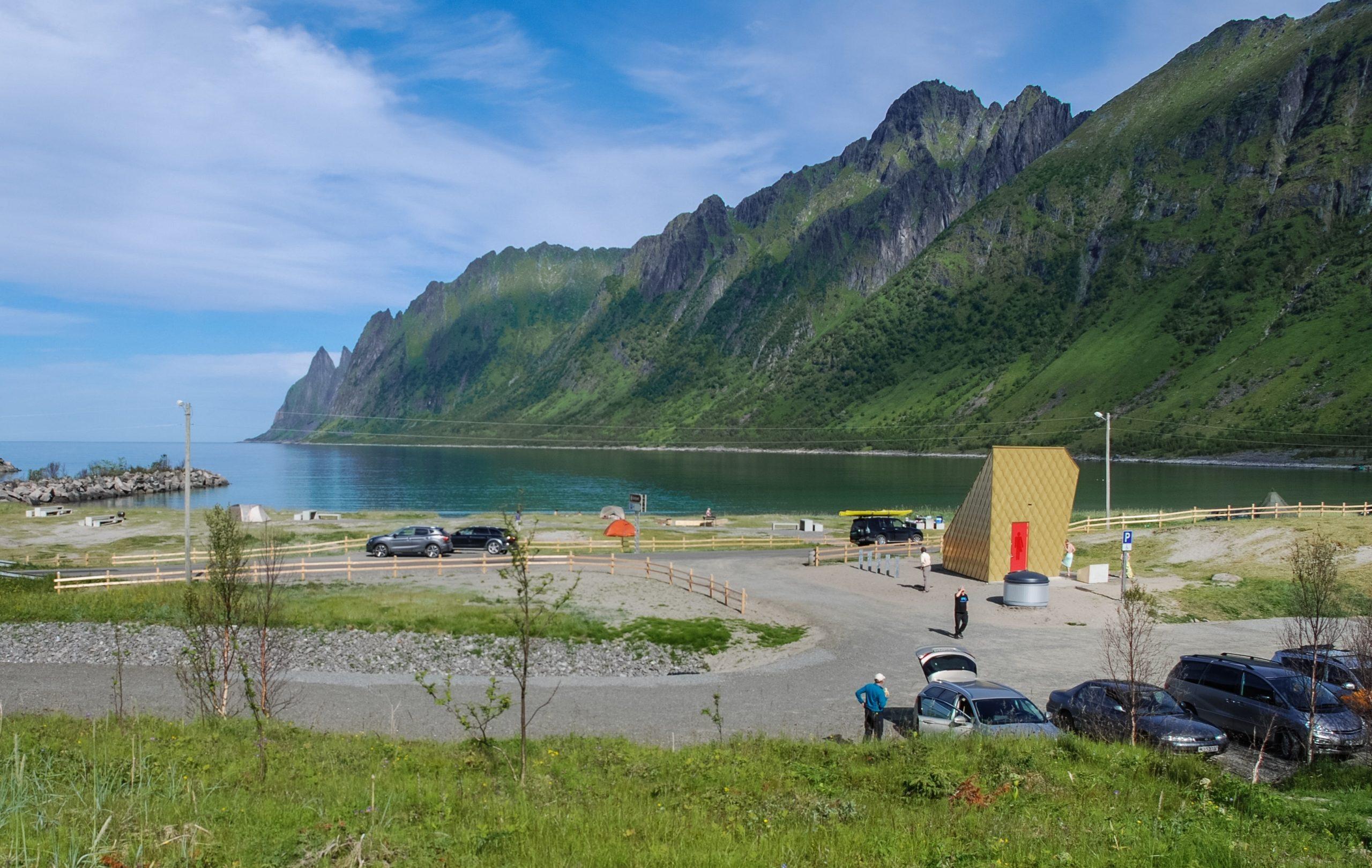 Toalettbygget pfriluftsomrÂdet Ersfjordstranda,